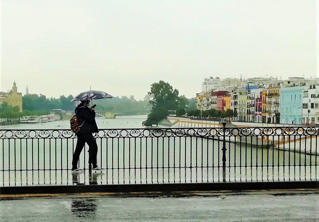 Lloviendo en Sevilla